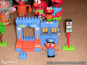 Sesame Street Neighborhood Collection Police Station Building Set
