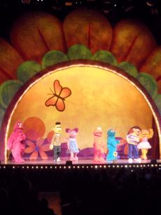 Sesame Street Live Elmo's Green Thumb