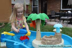Step2 Tropical Island Resort Water Table
