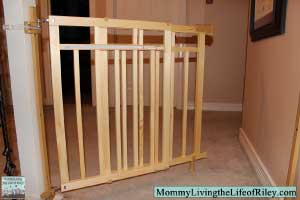 Review Summer Infant Stylish Amp Secure Deluxe Wood Top Of