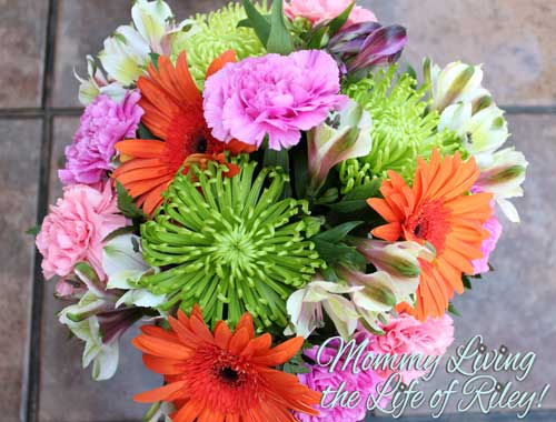 FromYouFlowers.com It's a Beautiful Day Bouquet