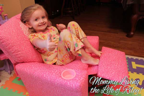 Pinkalicious Kid's Recliner with Cup Holder