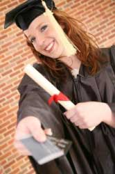 Top 7 Smart Ways for College Students to Build Credit and Avoid Bankruptcy!