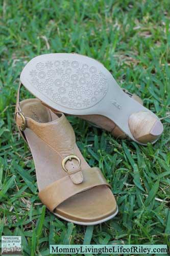 Aetrex Tanya Adjustable T-Strap Heel Sandals