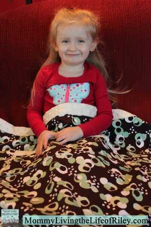 Jessie Circle Print with Ivory Minky Stroller Blanket from Keep 'Em Cozy...By Oz