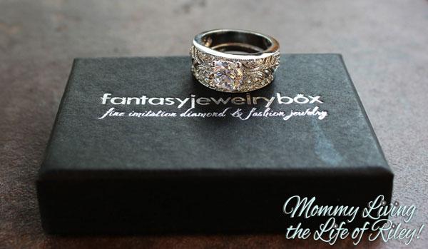 Fantasy Jewelry Box Queen Victoria Vintage Style Wedding Ring Set